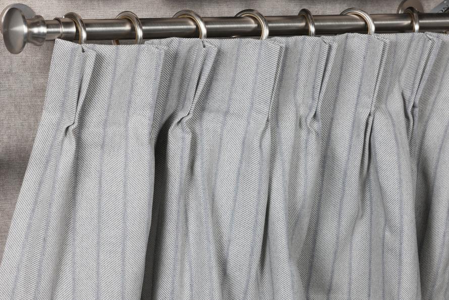 Conseils pour bien choisir son tringle rideau - Comment mettre des oeillets sur des rideaux ...