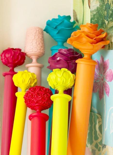 tringles colorées avec design fleur en bout