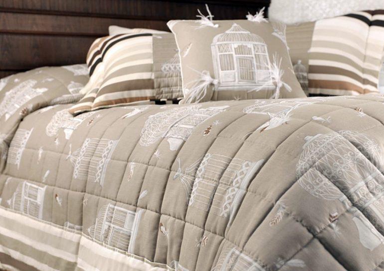 un couvre lit de style dco de montagne - Plaid Pour Canape