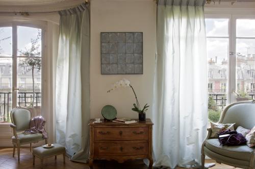rideaux sur mesure et voilages. Black Bedroom Furniture Sets. Home Design Ideas