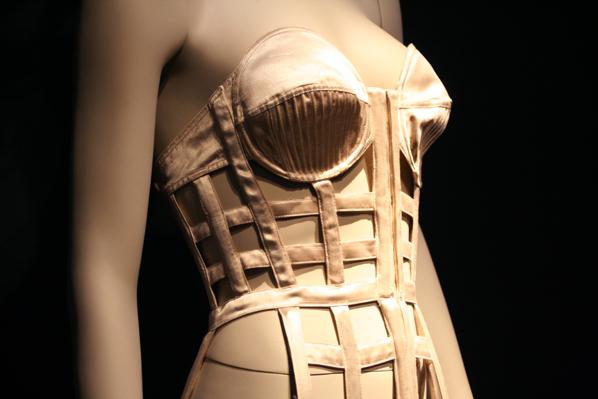 Expo-Jean-Paul-Gaultier-Musee-des-Beaux-Arts-de-M-copie-10