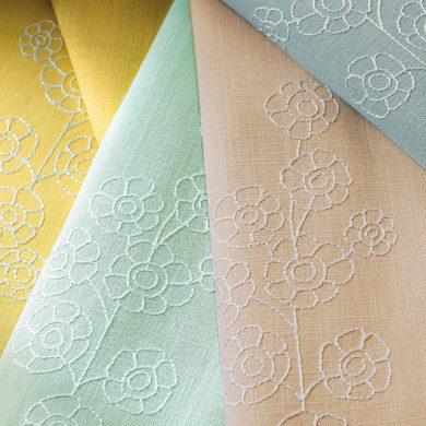 rideaux avec motif cousu fleur